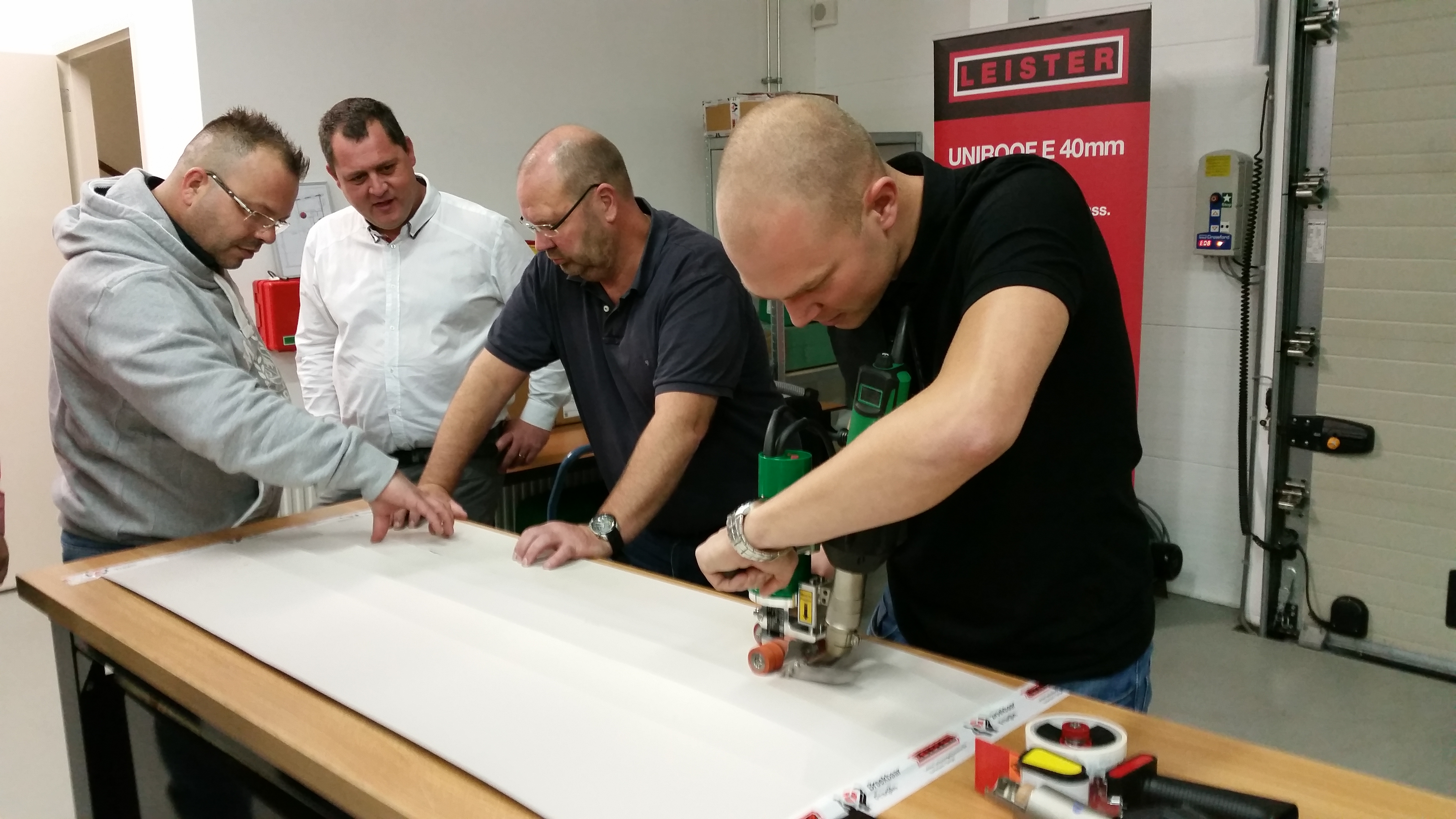 Training for roofing specialists - using the TRIAC DRIVE AT