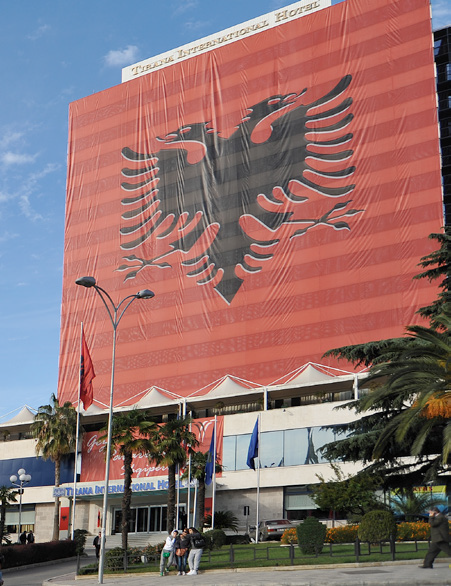 The largest Albanian flag ever, welded with Leister UNIPLAN E and TRIAC ST